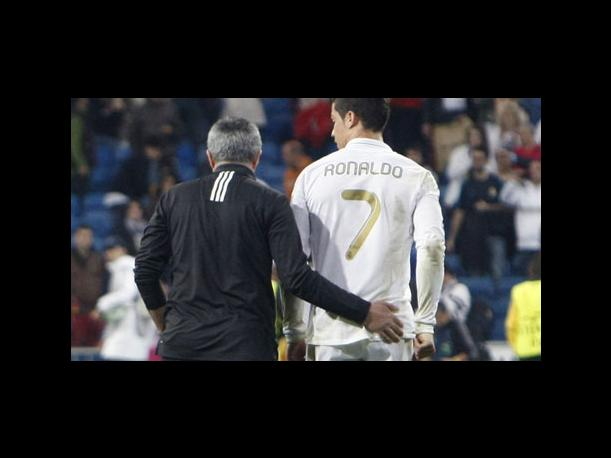 Mourinho celebra con nalgada a Ronaldo triunfo ante CSKA
