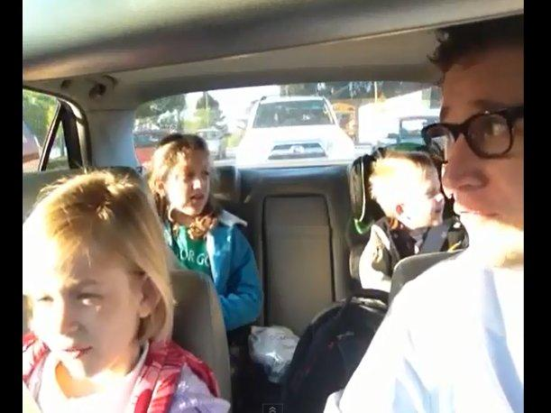 VIDEO: Padre cantando con sus hijos Bohemian Rhapsody es un hit en YouTube