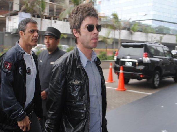 Video: &iexcl;Vea la llegada de Noel Gallagher a nuestra capital!
