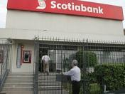 Seis delincuentes asaltan local de Scotiabank en Zárate
