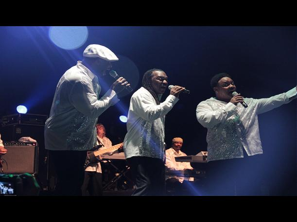 Earth Wind &amp; Fire: El volc&aacute;n de la m&uacute;sica disco y su paso por Lima