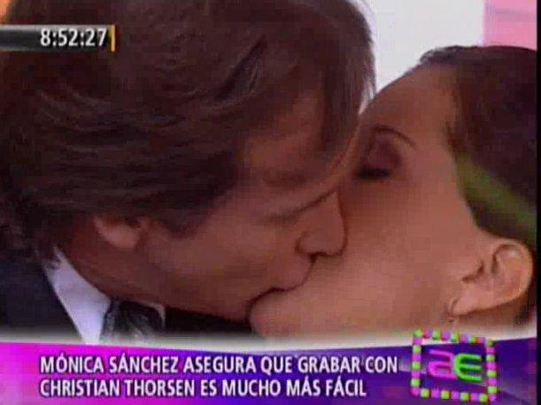 M&oacute;nica S&aacute;nchez sobre besos con Christian Thorsen: &quot;Cuando hay cari&ntilde;o, todo es m&aacute;s natural&quot;