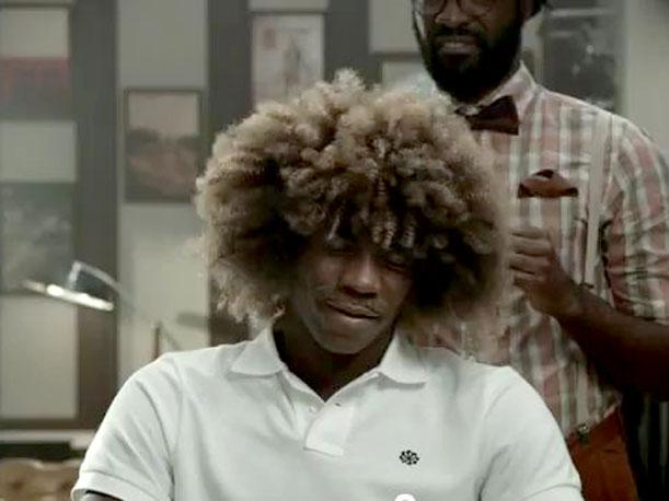 VIDEO: Mario Balotelli copia look de Valderrama, Neymar...