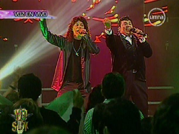 VIDEO: Juan Gabriel y Alex Lora peruanos interpretaron 'El Rey'