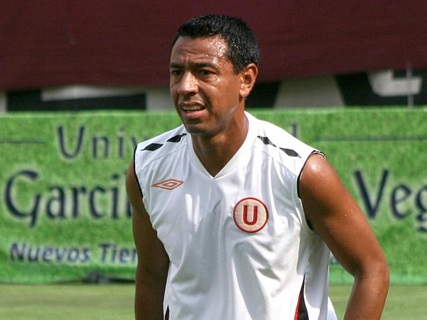 Nolberto Solano ya es t&eacute;cnico de Universitario