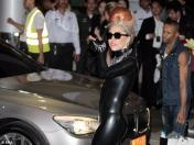 Lady Gaga visita club de drag queens en Tailandia