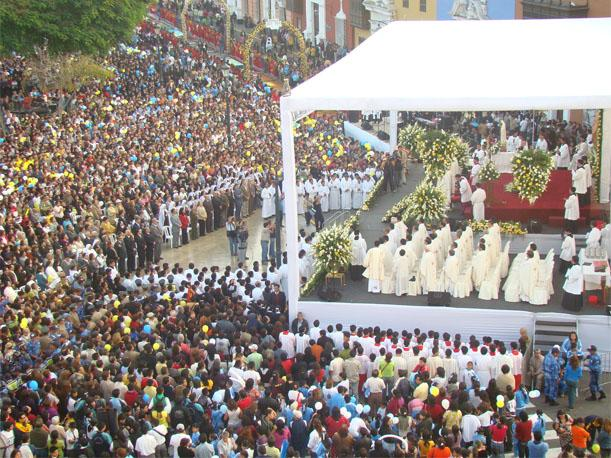 Arequipa y Trujillo celebran festividad del Corpus Christi con profundo fervor