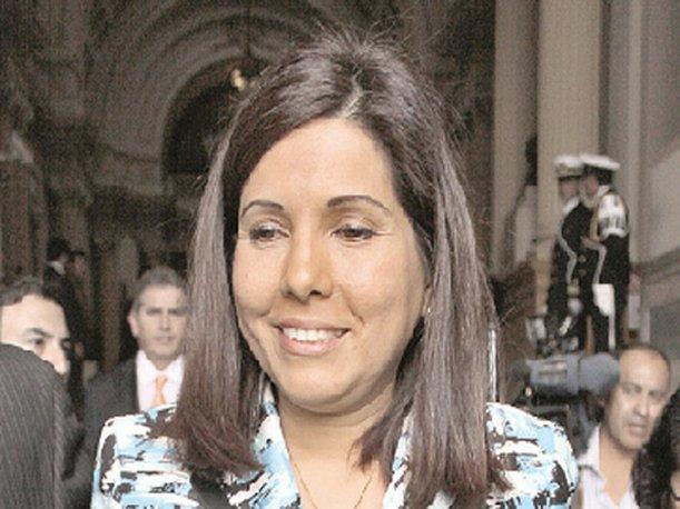 Prima de Nadine Heredia se sube el sueldo y ganar&aacute; 10 mil soles m&aacute;s que Ollanta Humala
