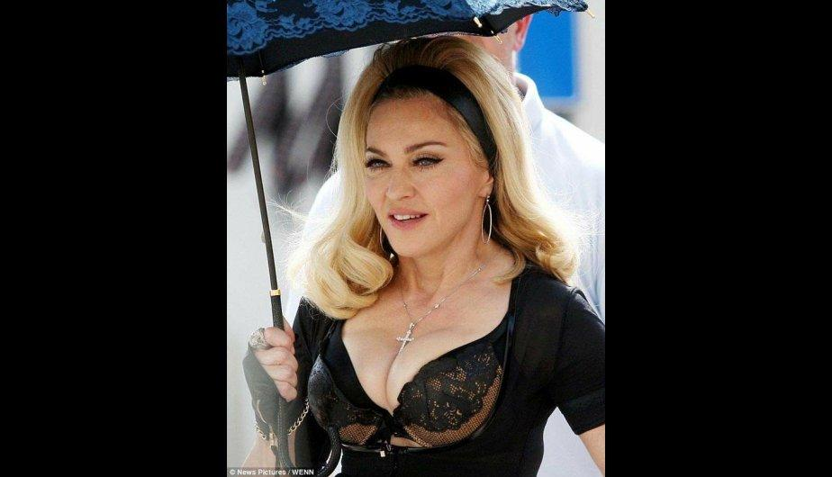 FOTOS: Madonna derrocha sensualidad en su último video clip 'Turn Up the Radio'