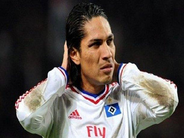 Paolo Guerrero estuvo a punto de ser atacado en concierto de reggaet&oacute;n