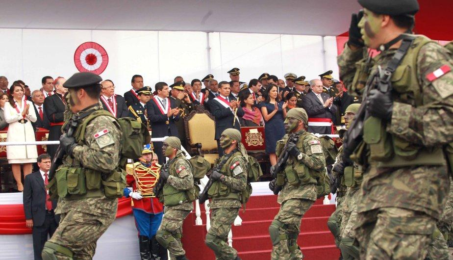Gran Parada y Desfile Militar por Fiestas Patrias (FOTOS)