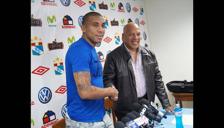 Giancarlo Carmona fue presentado en Sporting Cristal (FOTOS)