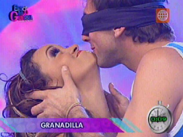 Esto es Guerra: Angie Arizaga y Nicola Porcella protagonizan escena de celos en pantalla