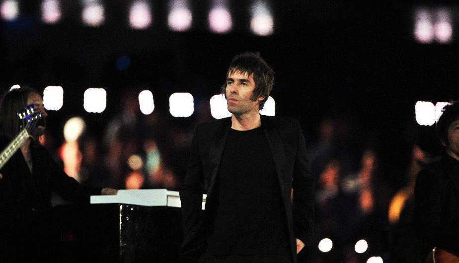 Liam Gallagher interpretó Wonderwall en Londres 2012 (EFE)