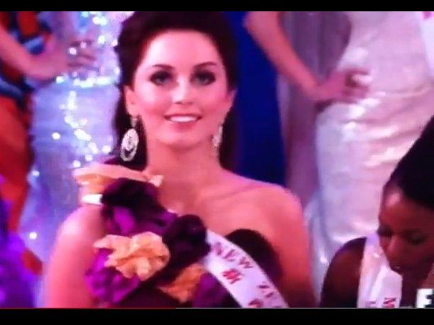Miss World 2012: Lo que no viste del concurso, Miss Malawi empujó a Miss Nueva Zelanda (VIDEO)