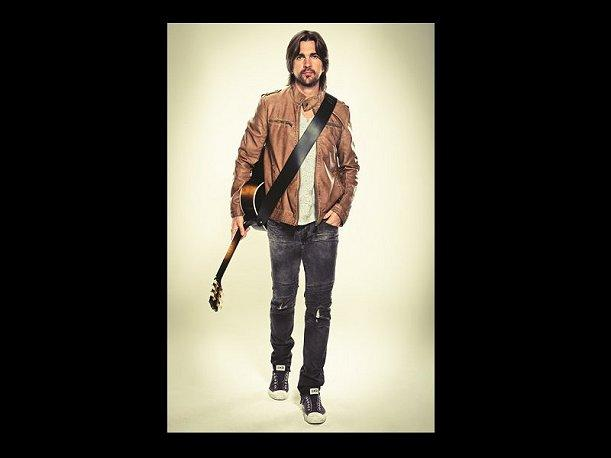 Juanes le rindió homenaje a Joe Arroyo en el Hollywood Bowl