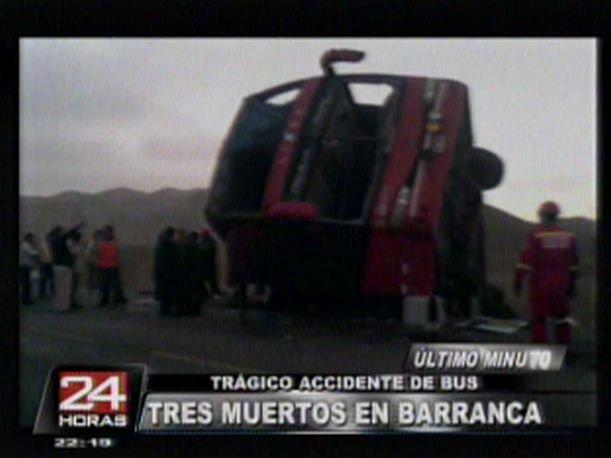 Barranca: Tres muertos y 30 heridos en accidente de bus (VIDEO)