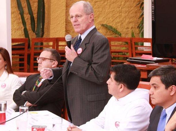 Pedro Pablo Kuczynski  acepta participar en El Valor de la Verdad (VIDEO)