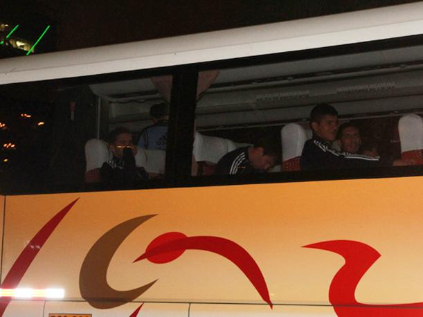 Bus de Argentina fue apedreado tras haber reconocido el Estadio Nacional (VIDEO)