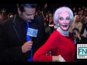New York Fashion Week: Modelo de 81 años brilló en la pasarela (VIDEO)