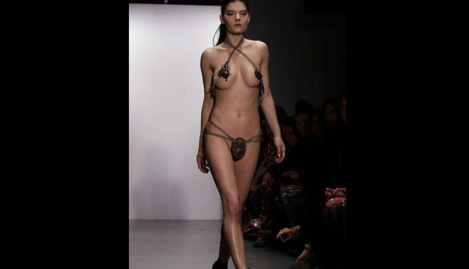 "London Fashion Week: Pam Hogg ""desnuda"" a modelos en la pasarela (FOTOS)"
