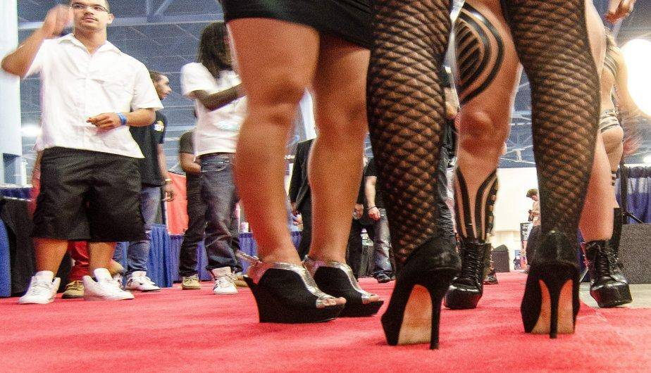 Exposición erótica de Miami: Mujeres acuden al Sex on The Beach Adult Expo (FOTOS)