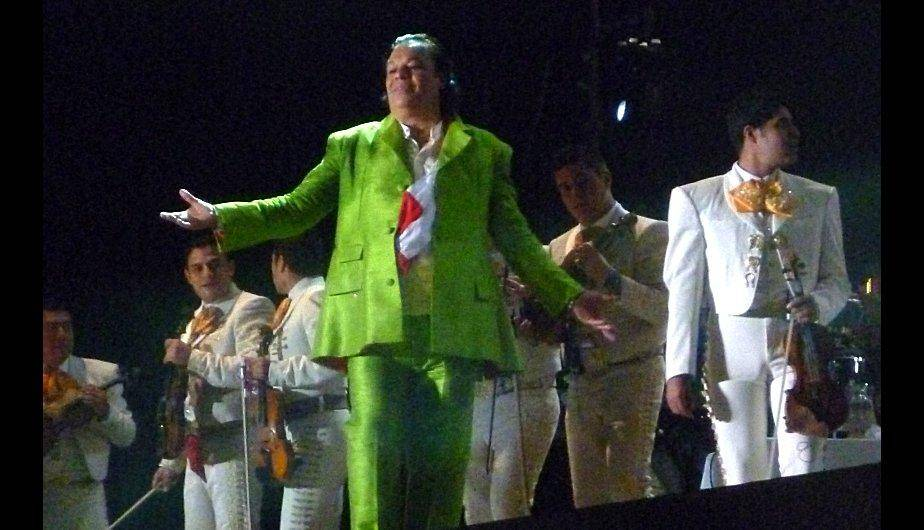 Juan Gabriel cant&oacute; y encant&oacute; a Lima (FOTOS)