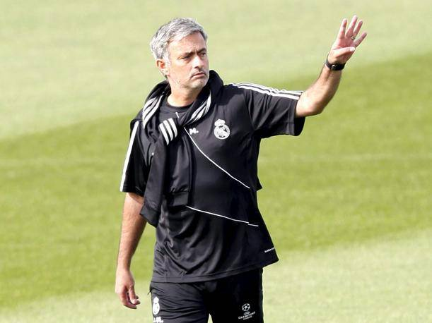 Jos&eacute; Mourinho tiene algunas dudas para afrontar el cl&aacute;sico ante el Barcelona