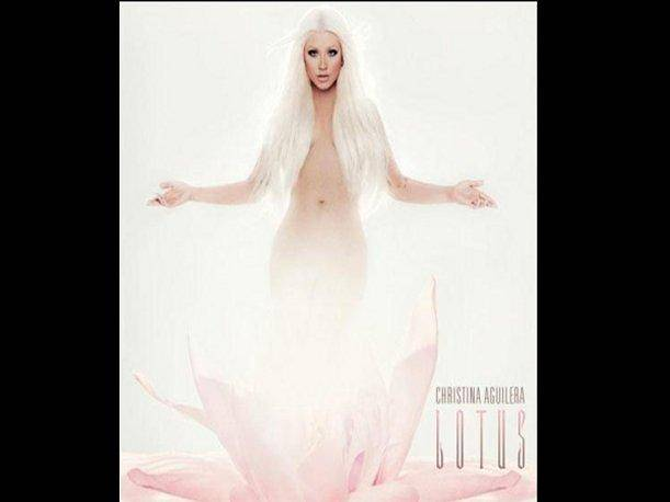 Christina Aguilera hace publica foto en la que se desnuda para &lsquo;Lotus&rsquo;