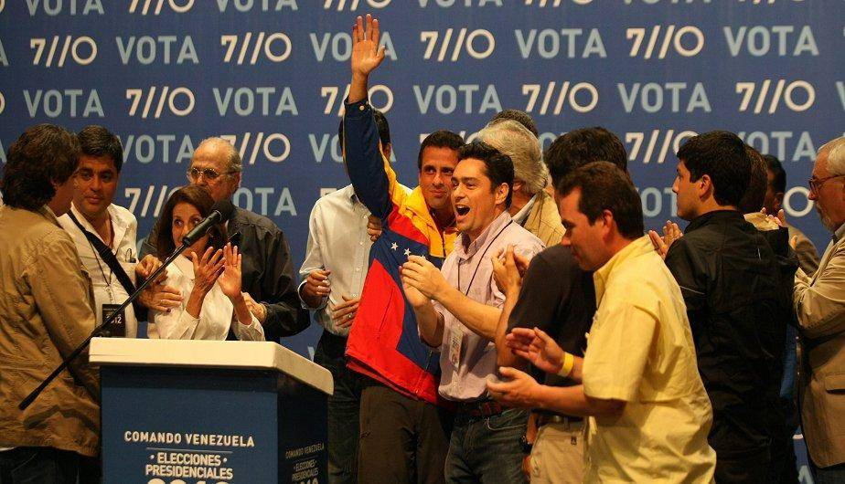 As&iacute; recibieron Henrique Capriles y sus partidarios la derrota electoral (FOTOS)