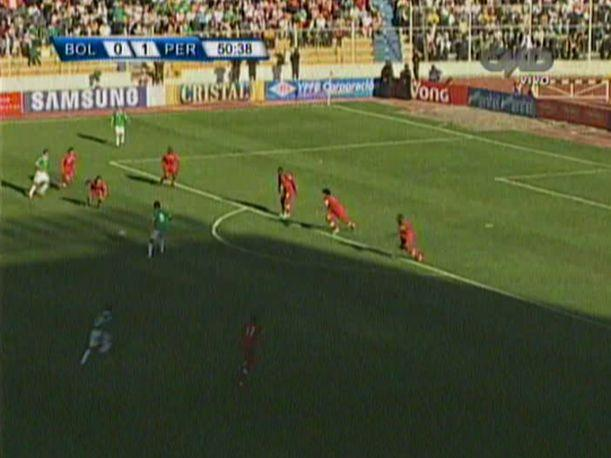 Bolivia 1-1 Perú: William Chiroque y una falta que pudo cambiar la historia (VIDEO)