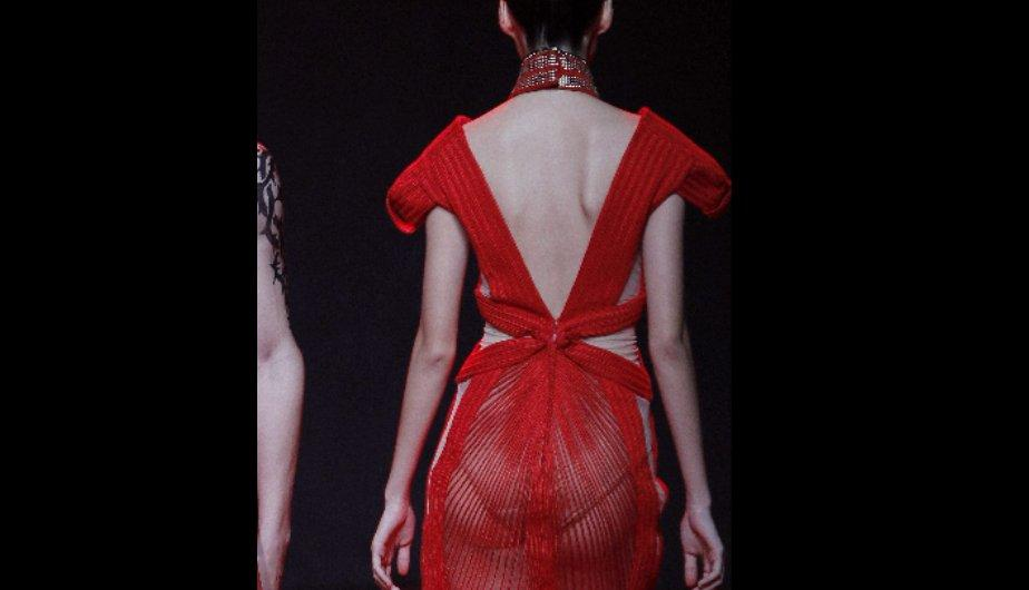 Elle Fashion Week 2012: Sensuales transparencias inundan la pasarela (FOTOS)