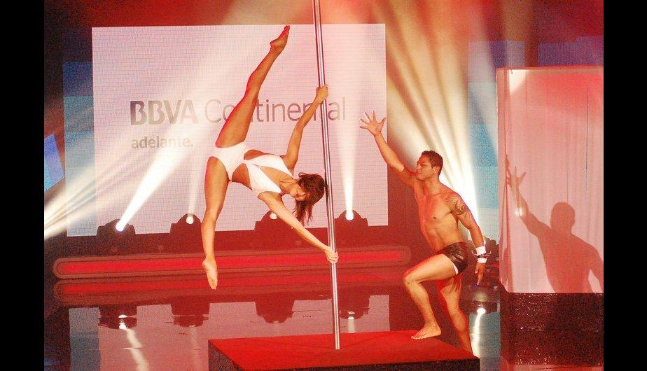 &quot;El gran show&quot;: Jhonatan Maicelo y campeona de Pole Dance encienden la noche (FOTOS)
