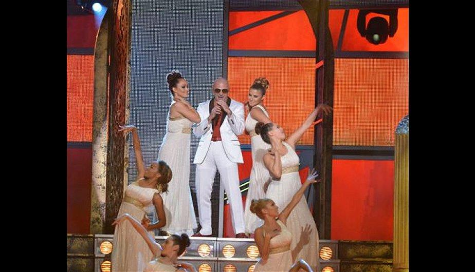 &iexcl;Grammy Latino 2012: Pitbull encendi&oacute; la noche de la gala musical! (FOTOS)