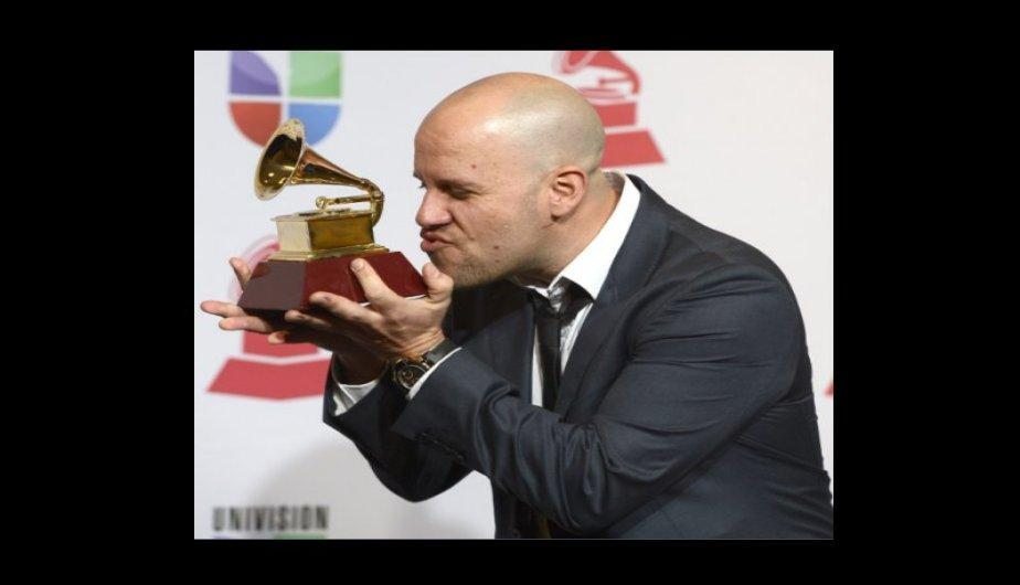 Grammy Latino 2012: Gian Marco Zignago posa con su gram&oacute;fono (FOTOS)