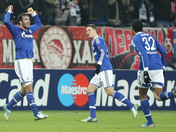 Schalke clasifica a octavos de final de la UEFA Champions League