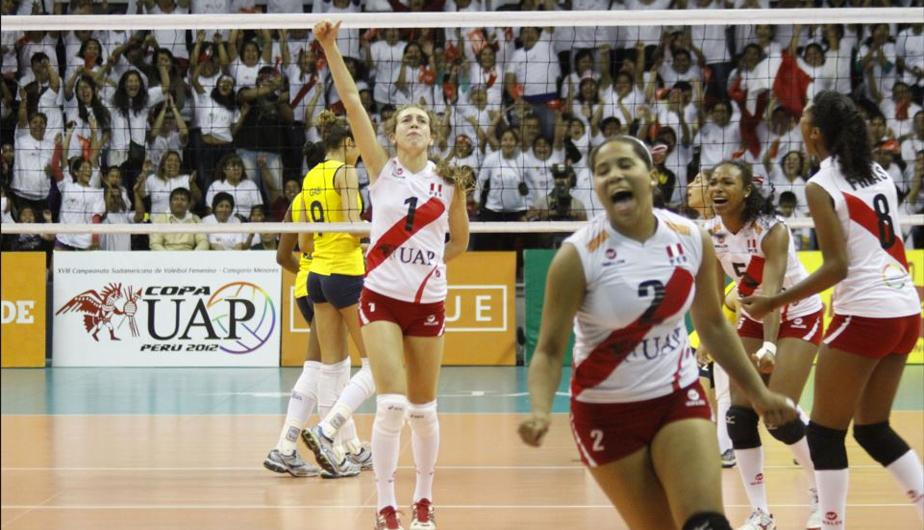 Per&uacute; vence a Brasil y se queda con el t&iacute;tulo del Sudamericano de Menores de V&oacute;ley (FOTOS)