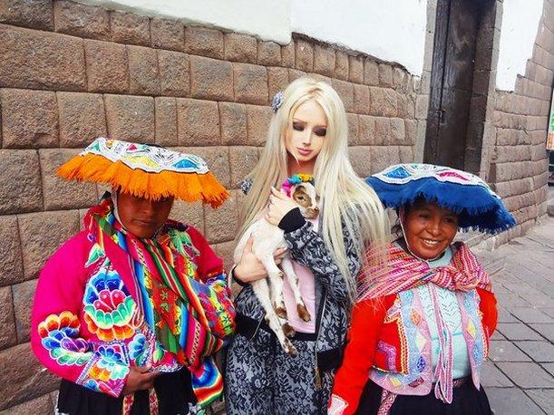 Valeria Lukyanova, la llamada &#039;Barbie humana&#039;, visit&oacute; Cusco y qued&oacute; encantada