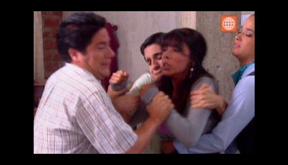 Reina Pachas reacciona con ira. (Foto: Captura de TV)