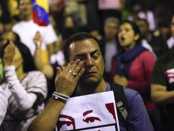 Venezuela: Miles salieron a las calles tras la muerte de Hugo Ch&aacute;vez (VIDEO)