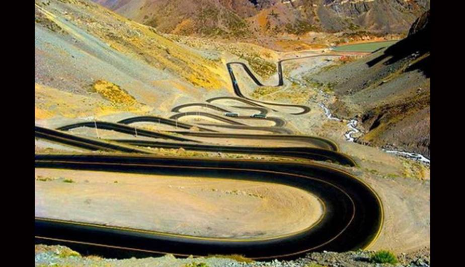 12 of the Most Winding Roads Around the World. (Foto: 101lugaresincreible.com)