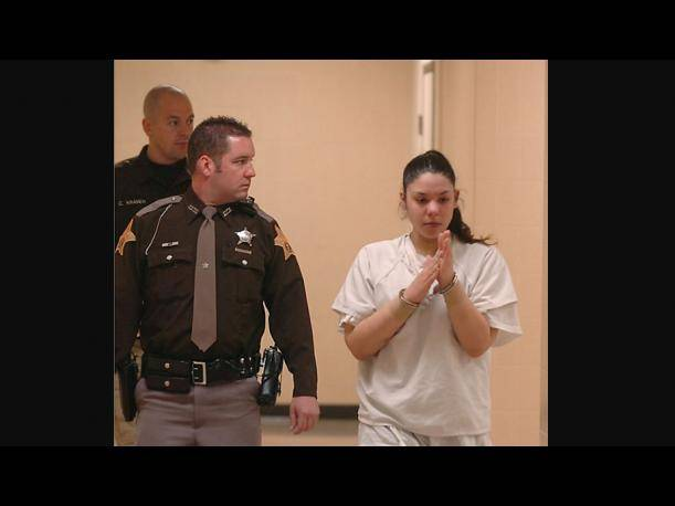Emily Castro ante la Corte tras ser acusada de intento de homicidio contra su bebé. (Foto: The Journal Gazette)