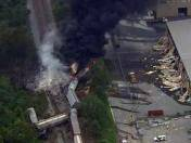 EE.UU: Tren de carga se descarrila y provoca gran incendio en Baltimore (VIDEO)