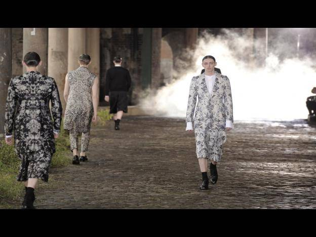 La elegancia de Alexander McQueen en el London Collections Men (FOTOS)