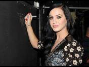Katy Perry confiesa a la revista Vogue que no sabe leer