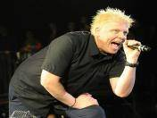 Dexter Holland, vocalista de The Offspring, manda saludos a Perú