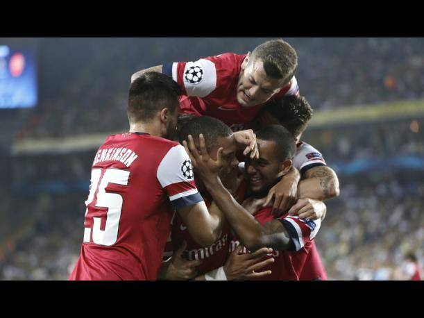 Champions League: Arsenal aplastó a Fenerbahce en Estambul (FOTOS)