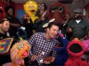 Jimmy Fallon cantó con los muñecos de Plaza Sésamo (VIDEO)