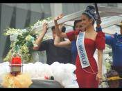 Miss Mundo 2013, Megan Young, regresa a Filipinas en medio del clamor de su gente