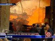 Cercado de Lima: Incendio consume un almacén de madera en Barrios Altos (VIDEO)